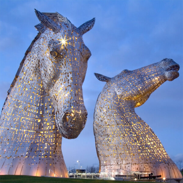 Kelpies and Afternoon Tea on a Steam Train Thorne Travel Experience