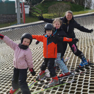 ski-tubing-fun-glasgow-ski-snowboard-centre5
