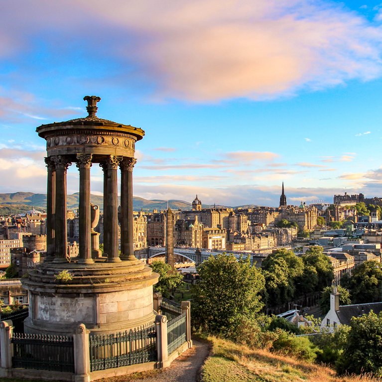 Guided Edinburgh Private Walking Tour - Book Now