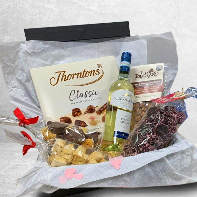 Mothers Day Sweet Gift Hamper Featured Image